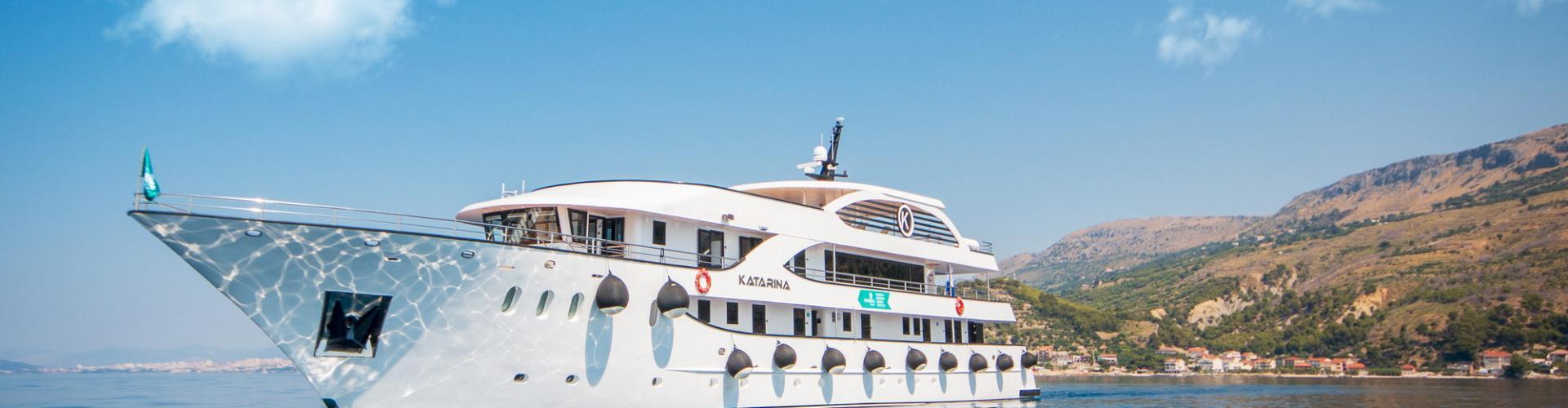 Motoryacht Deluxe Kreuzfahrtschiff MV Katarina