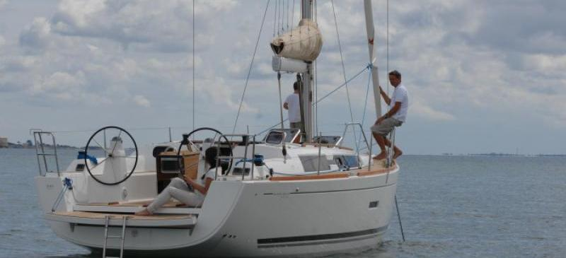 Segelyacht Dufour 335