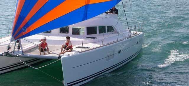 Katamaran Lagoon 380 S2