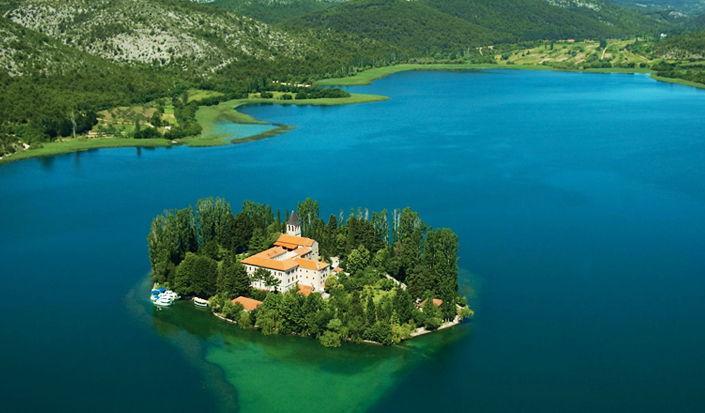 Segeln zu den Wasserfällen des Krka-Nationalparks