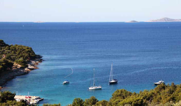 Forschung - Vergnügen von Bootsfahrer in Kroatien