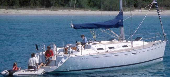 2008. Dufour 385