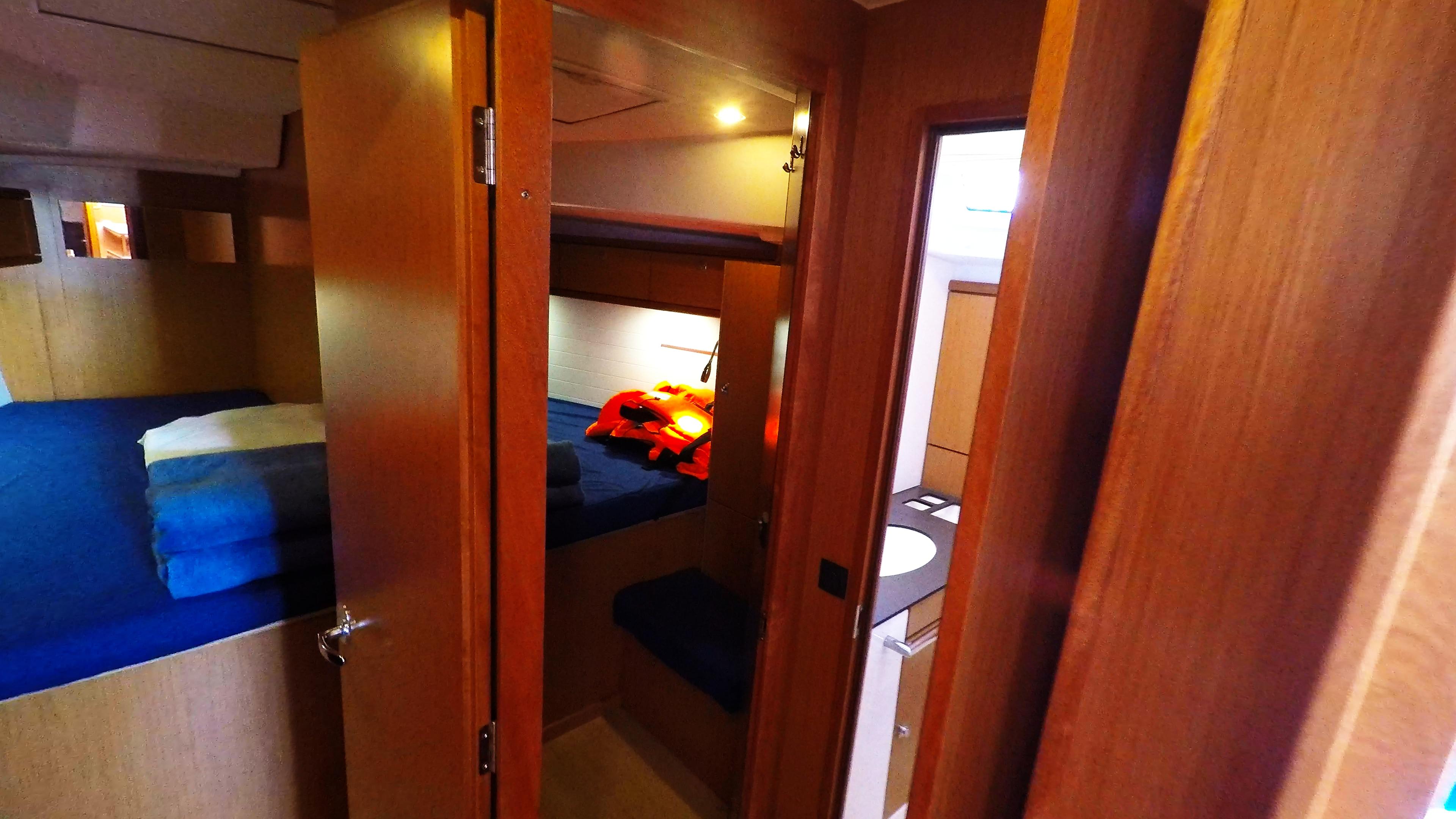 Segelyacht bavaria 46 cruiser Segelyacht Innere vordere Kabinen Toilette