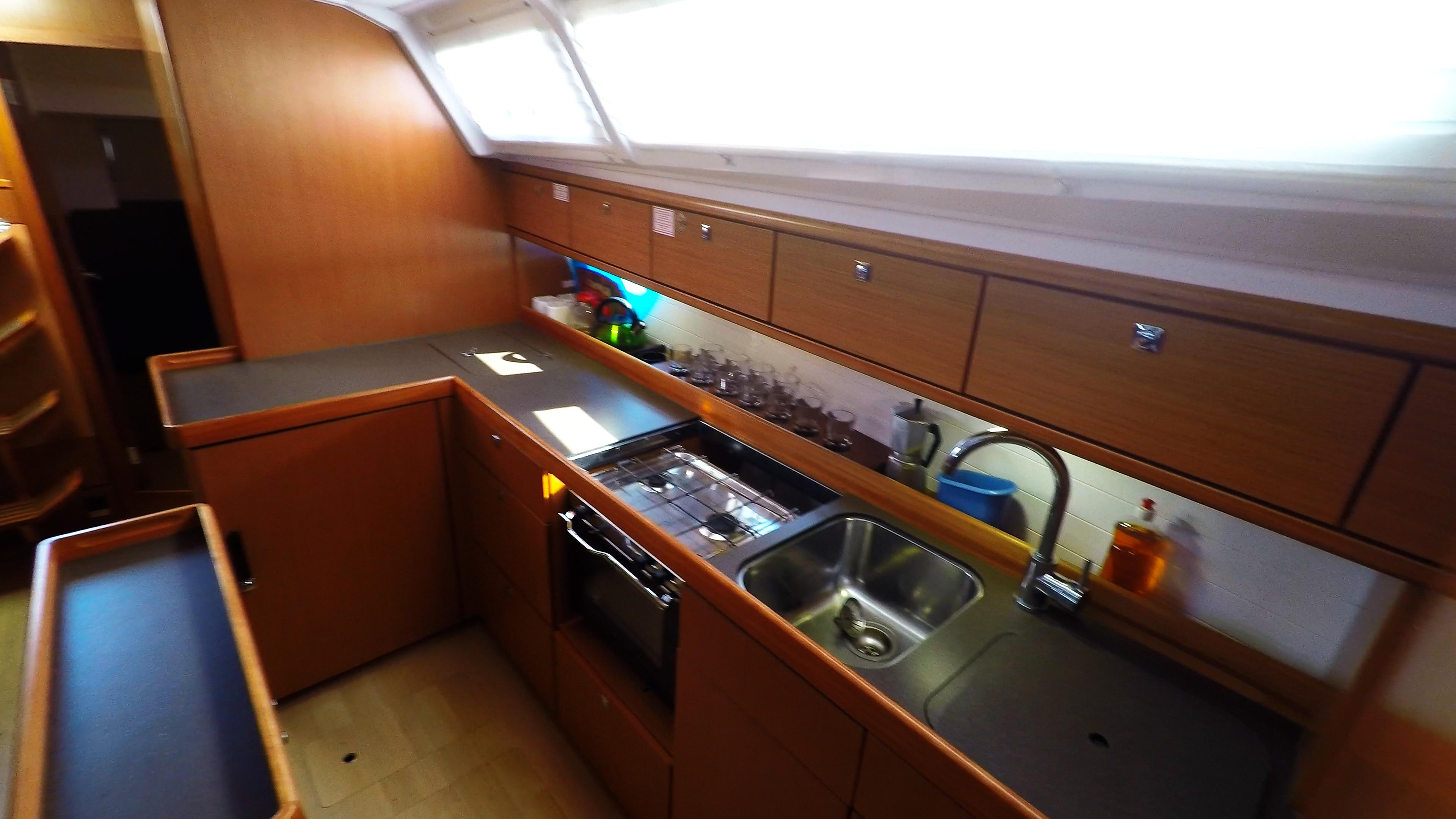 Segelyacht bavaria 46 cruiser Segelyacht Innere Galeere 2