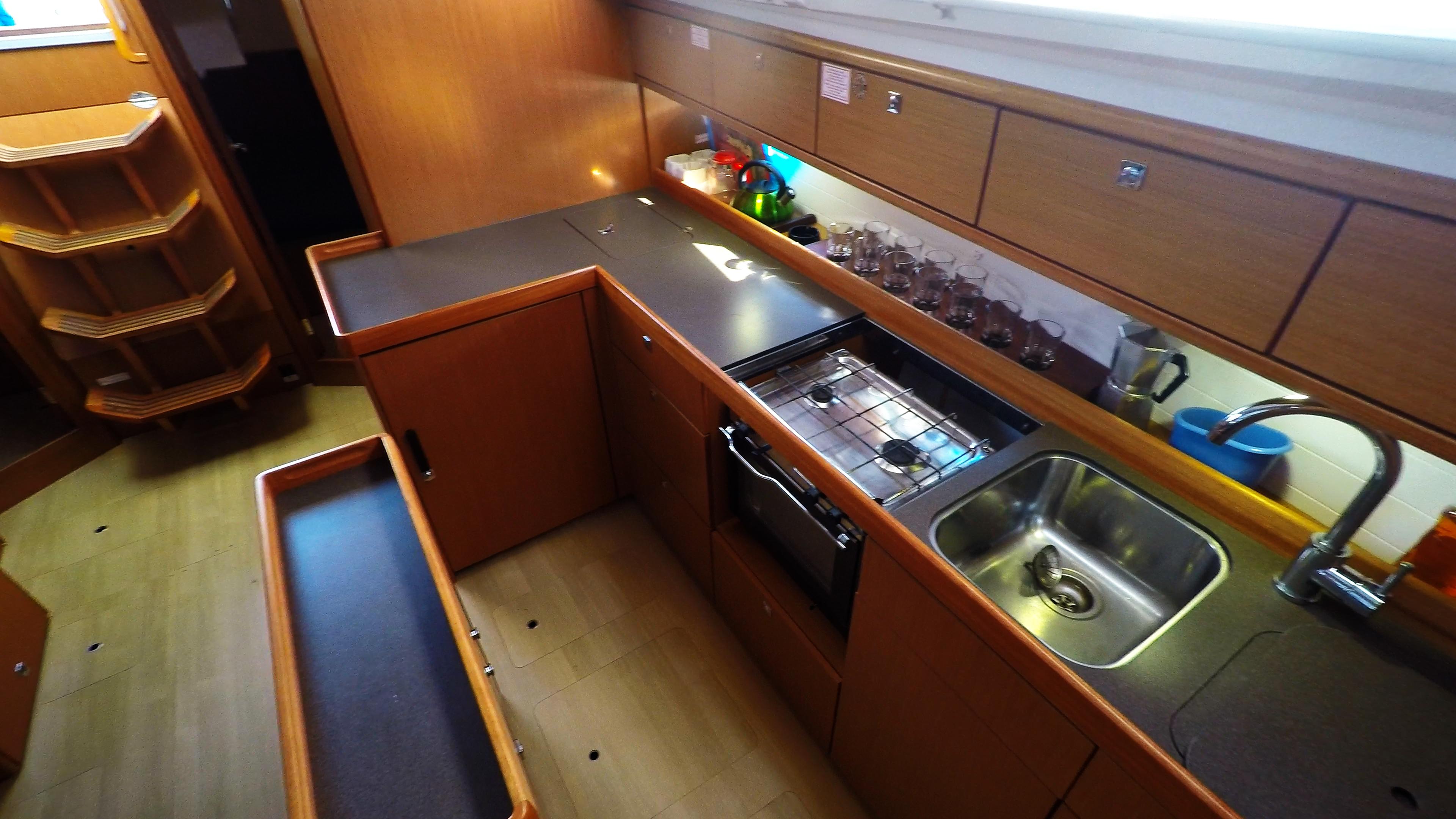 Segelyacht bavaria 46 cruiser Segelyacht Innere Galeere 5