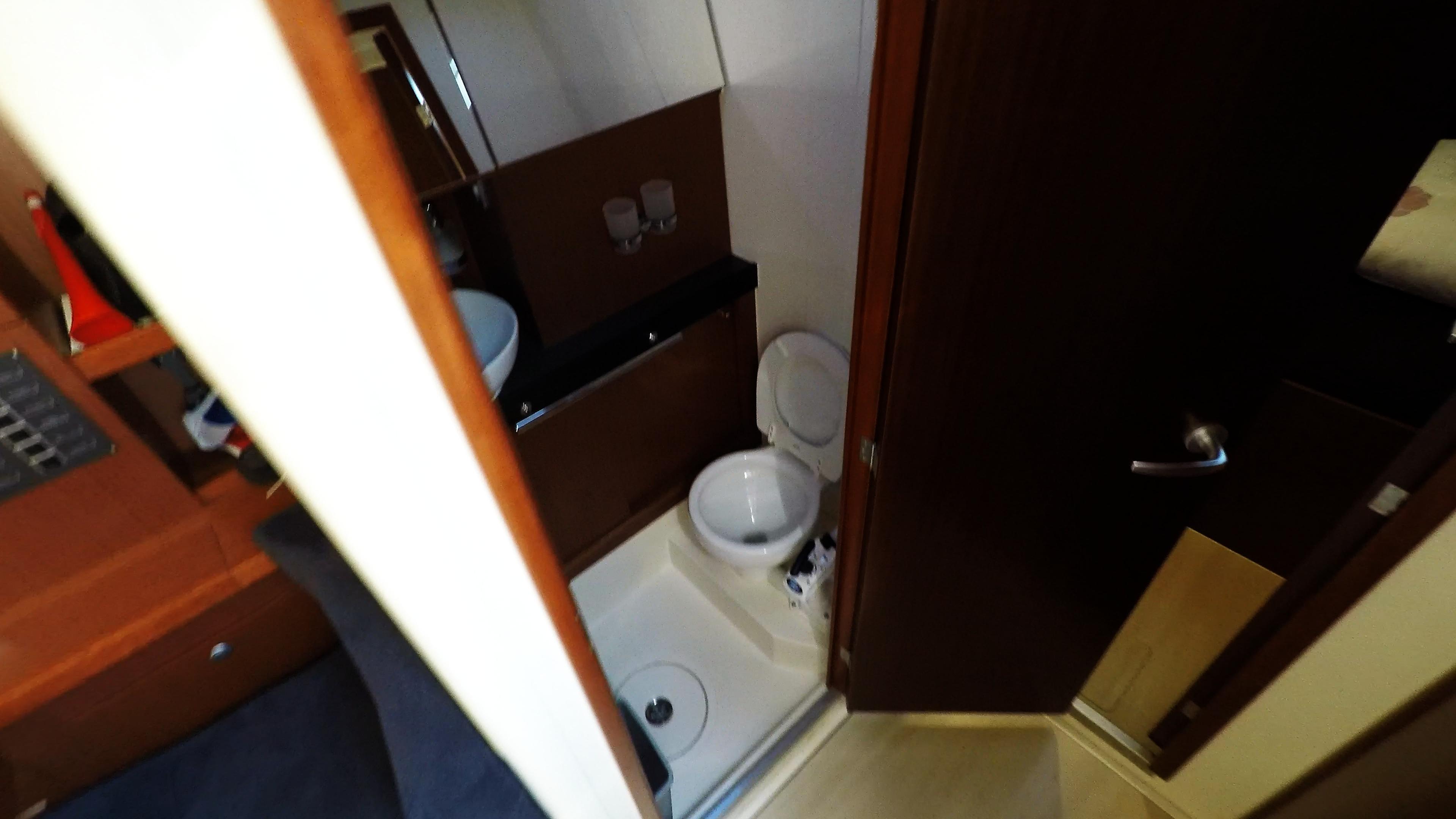 Segelyacht Achter Toilette Dusche Toilette Segelyacht Charter Segelboot Hanse 505