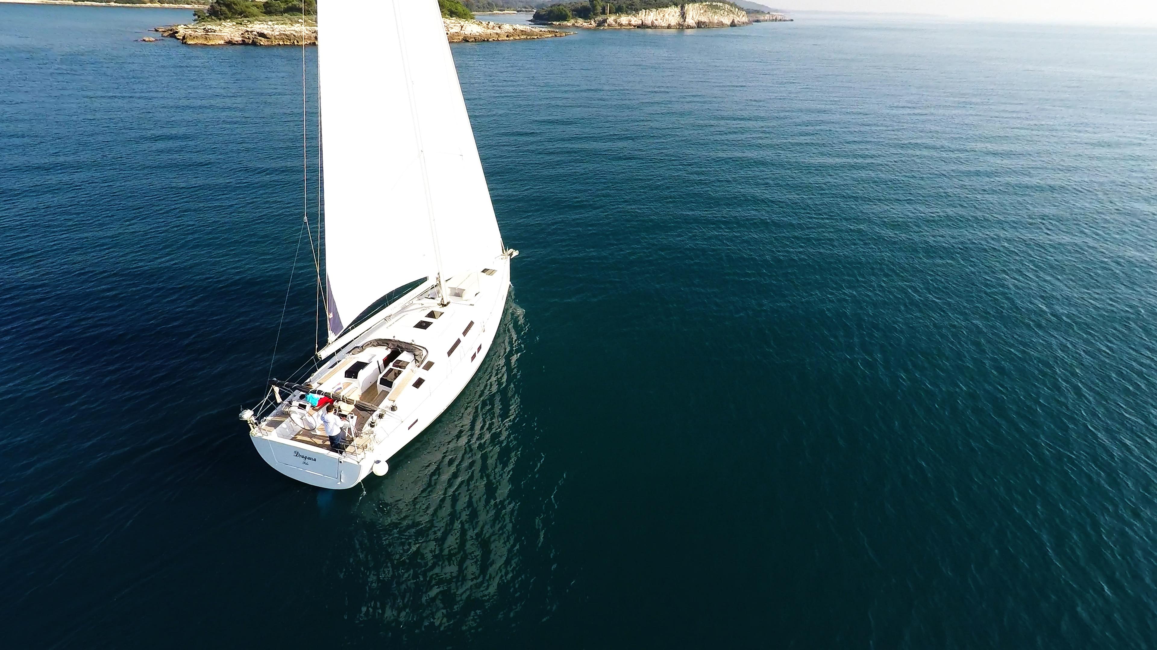 Segelyacht Boot Segeln zu den Meeresinseln Blau Segelboot Yacht