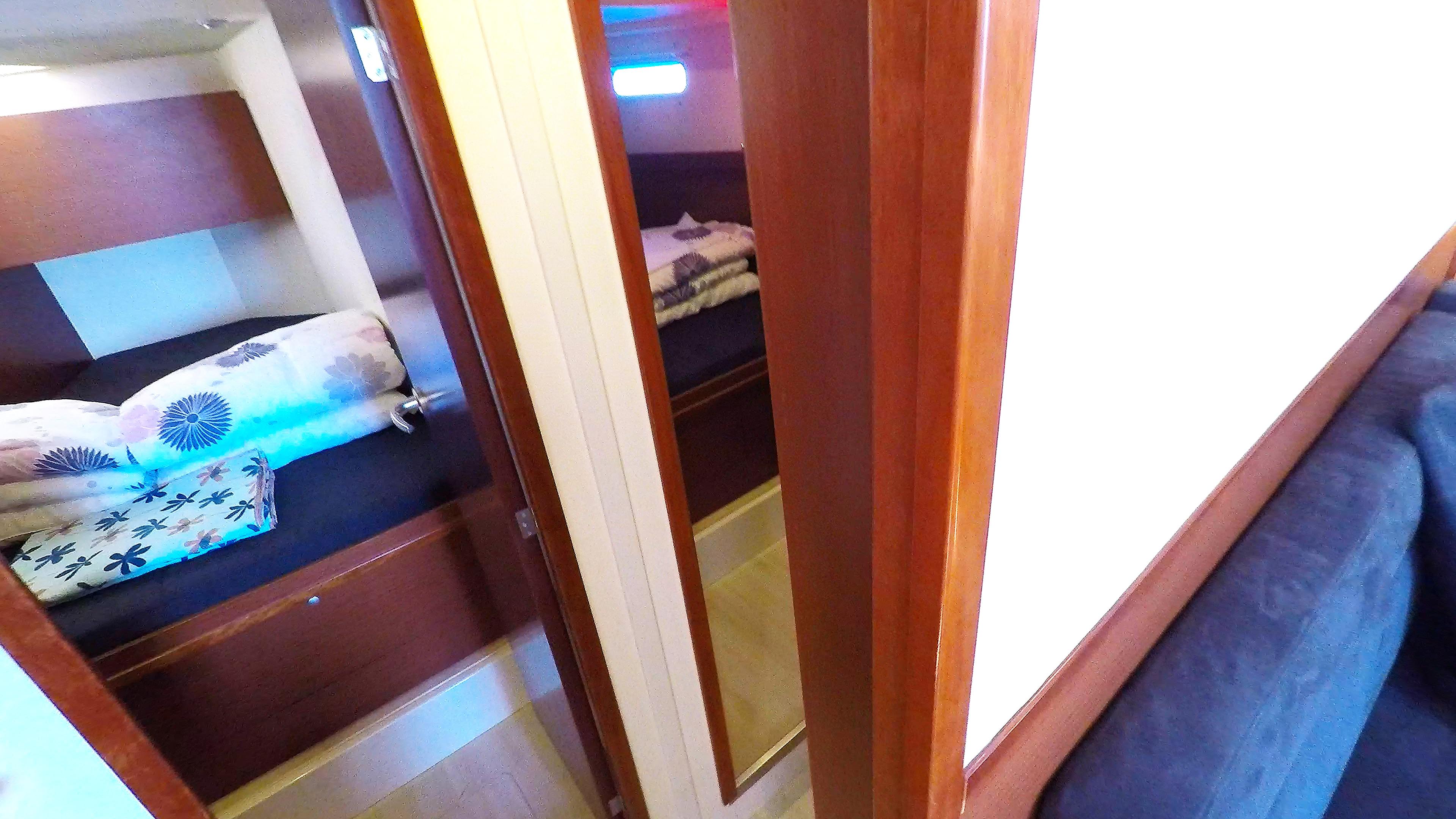 Segelyacht vordere Kabinenauf Segeln Charter Yacht Hanse 505