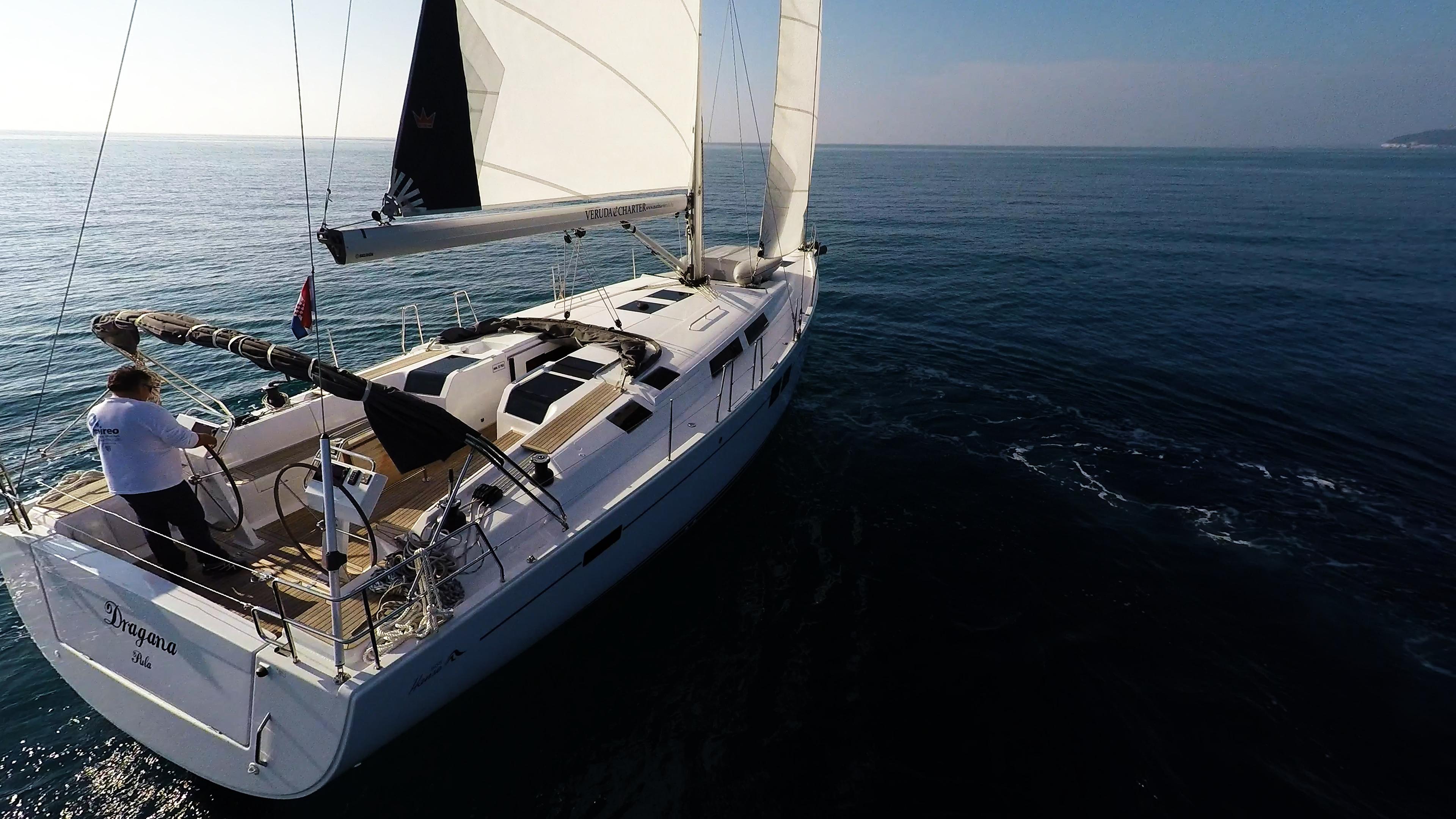 Segelyacht Hanse 505 achtern Stern Segelyacht Segel Boot