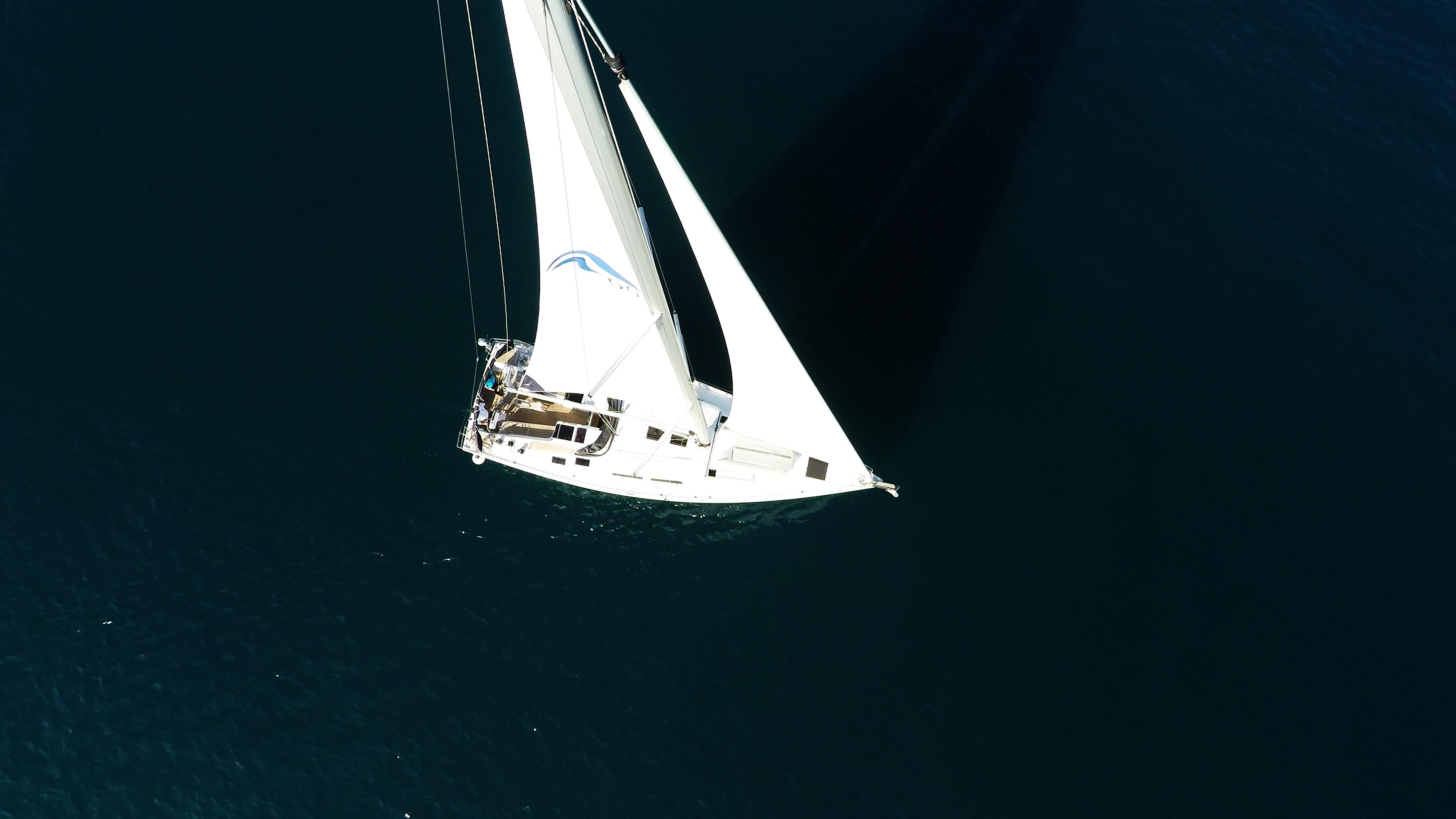 Segelyacht Hanse 505 von oben Segelboot Boot Segel Segeln Deck Cockpit Meer