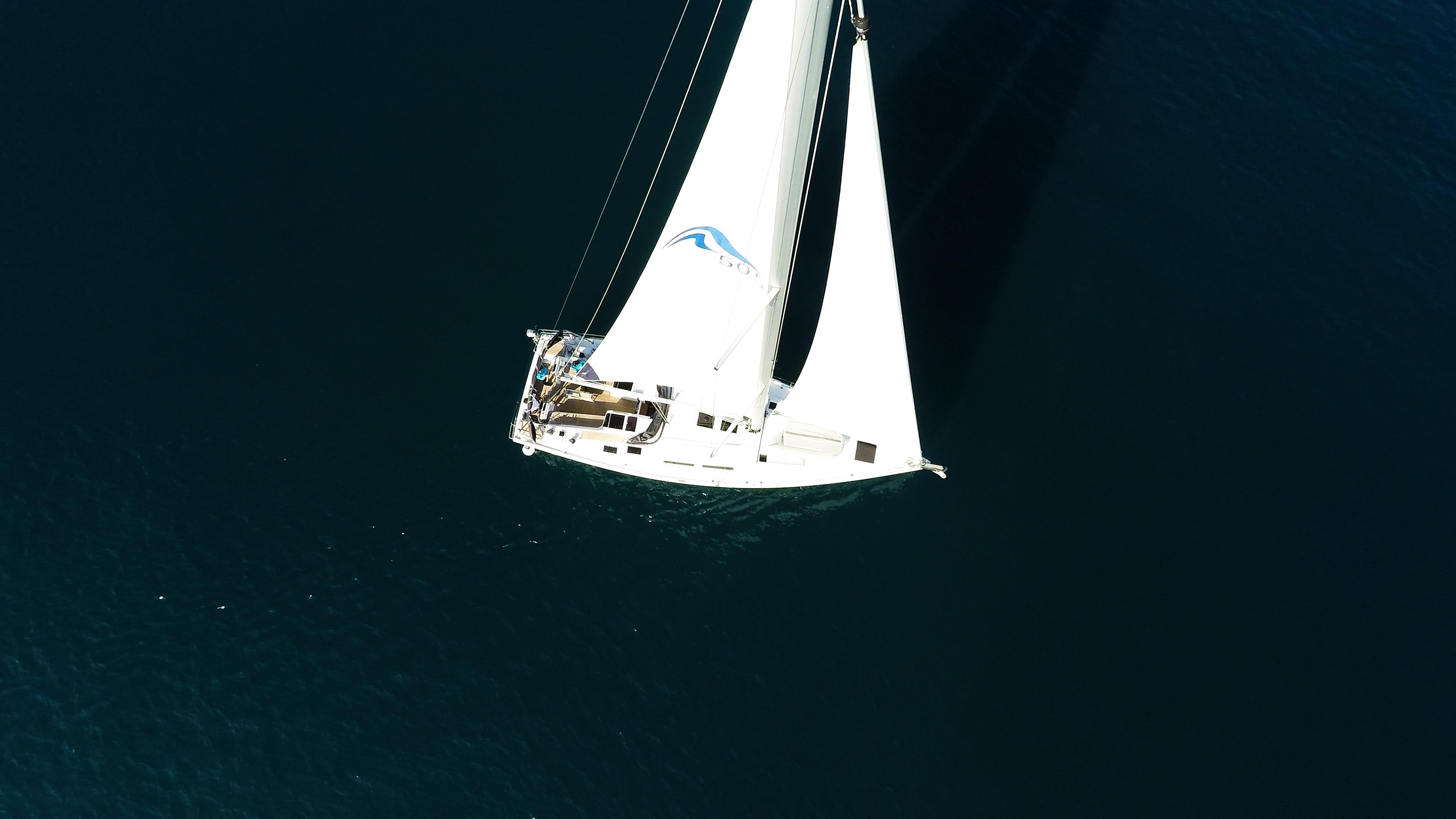 Segelyacht Hanse 505 von oben Segelyacht Segel Meer